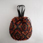巾着バッグ・ドロップスをハンドルつきにアレンジ。